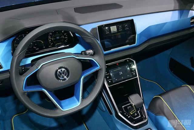 VW-T-Roc-1200x800-4ad1e5c22a4536e2