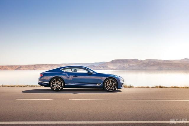 2018-Bentley-Continental-GT-3