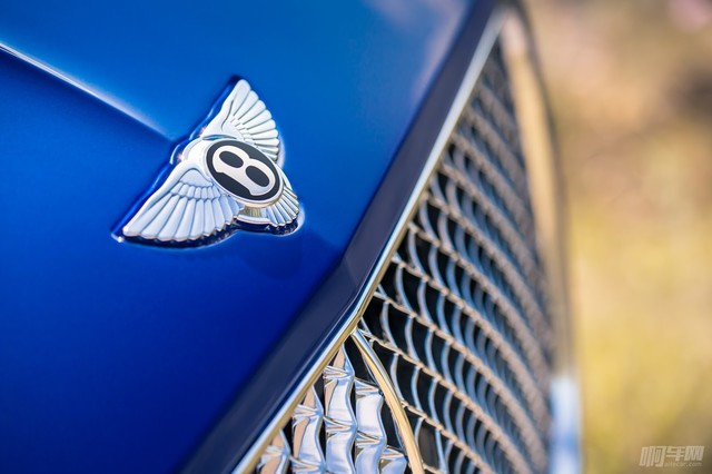 2018-Bentley-Continental-GT-8