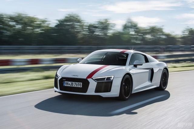 Audi-R8-V10-RWS111