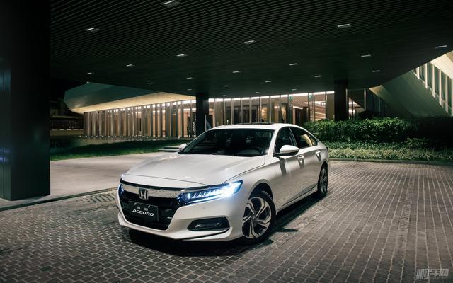 再现B级轿车的魅力 试驾全新第十代本田雅阁